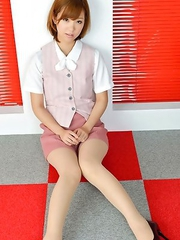 Ichika Nishimura has sexy legs in short skirt and heels
