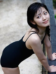 Airi Suzuki walks on favorite streets exposing her curves